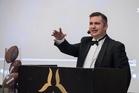 Liiton puheenjohtaja Roope Noronen toivotti juhlaväen tervetulleeksi.