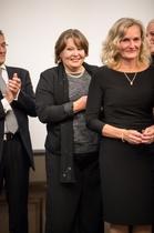 Pronssinen ansiomerkki vas. Marie Stigzelius ja Anne Tuuli